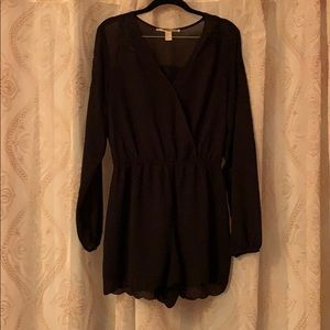 Cute black jumper for a night out w/ floral detail